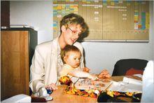 Im ersten Büro in der Goerdeler Str., die ganze Familie wird mit einbezogen.